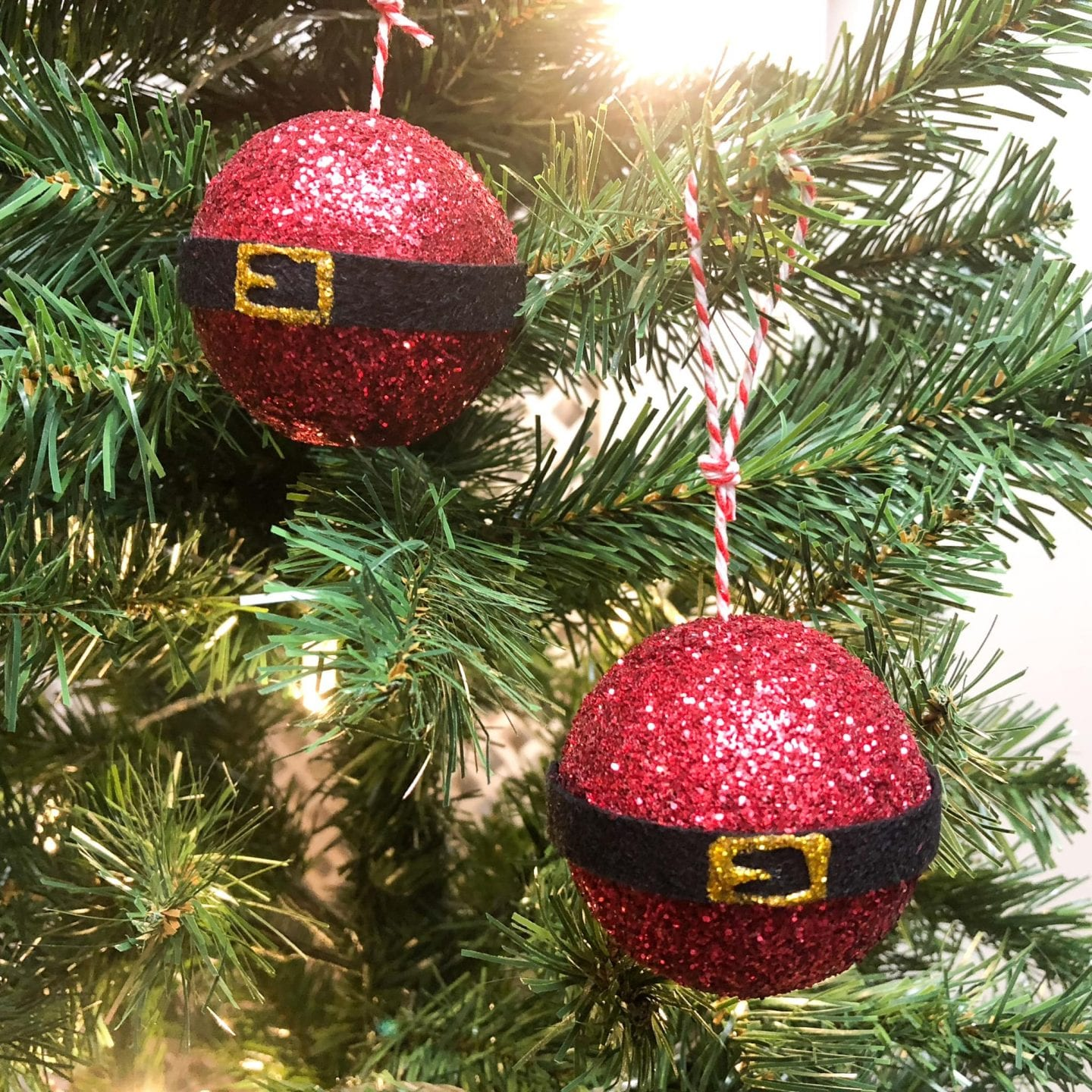 Simple Santa Baubles