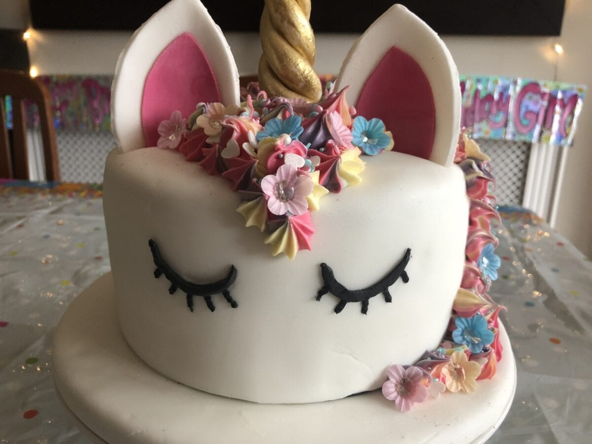 simple unicorn birthday cake